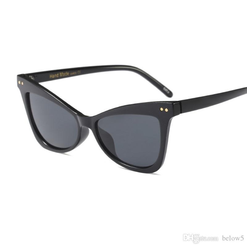 Nouvelle mode Cat Eye lunettes de soleil Vintage Rétro Femmes Large Jambe Marque Designe Lunettes De Soleil Femme Noir Nuances Dame UV400