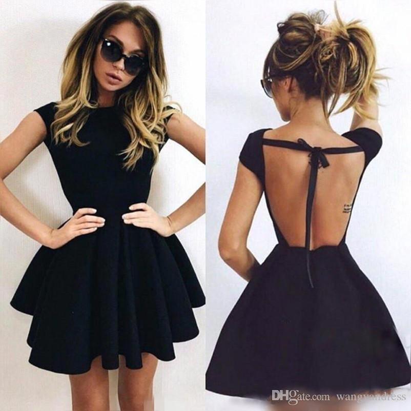 Sexy Backless Little Black Homecoming Sukienki Cap Rękaw Mini Krótki Party Dress Tanie Prom Cocktail Suknie Wieczór Formalna Nosić