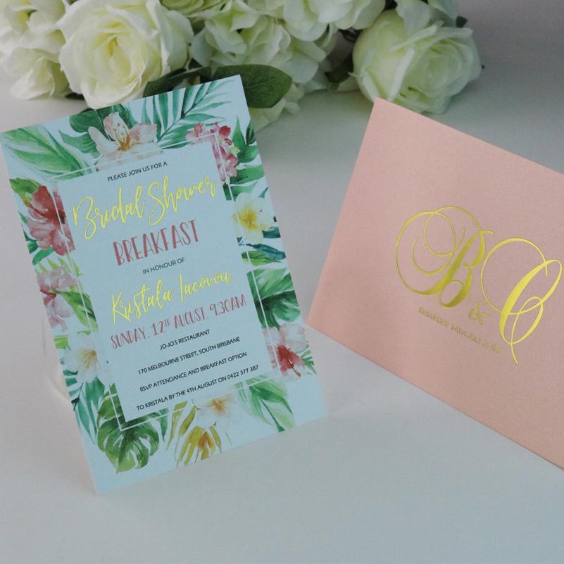 50- Kişiselleştirilmiş Çiçekler ve özel baskı ekler, zarflar ile foiled Düğün davetiyesi kartları