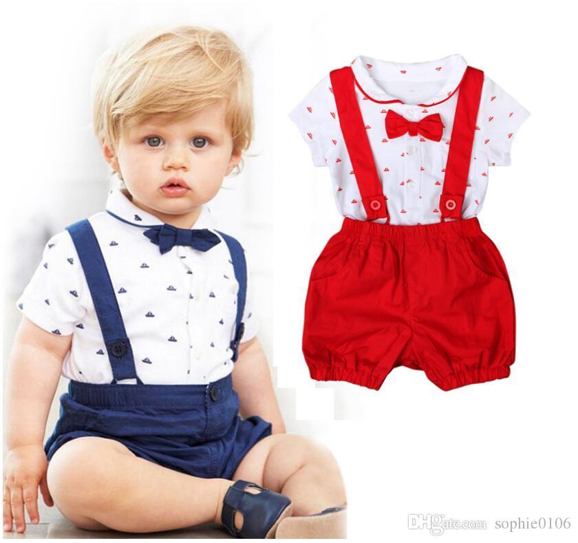 Boy Summer Gentle Style Camisa de manga corta con cuello vuelto y pantalones cortos con tirantes Trajes de dos piezas Ropa de verano de bebé corto CNB018