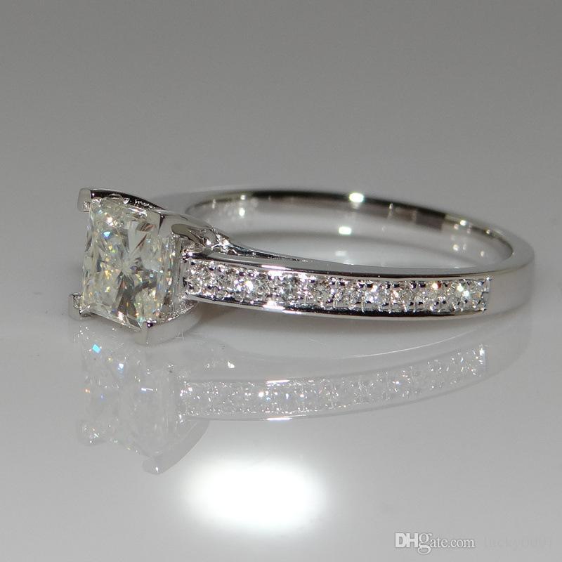 18-каратного белого золота принцесса бриллиантовое кольцо четыре когтя квадратный бриллиантовое кольцо женские модели свадьба простое кольцо розничная торговля