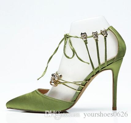 Décolleté in velluto di velluto di pelle Scarpe firmate Donna in metallo Cranio Scarpe da sposa verdi di lusso Stringate Tacchi alti 12 CM