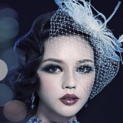 2018 Cappelli da sposa e Fascinators Cappello partito copricapo da sposa elegante tulle con piume e perle Headwear nuziale forcine piccolo cappello