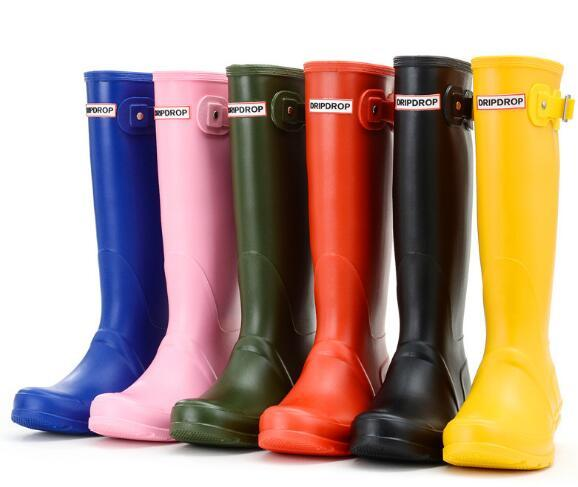 Mulheres RainBoots moda altas botas de chuva na altura do joelho estilo Inglaterra impermeável welly botas de borracha RainBoots sapatos de água rainshoes