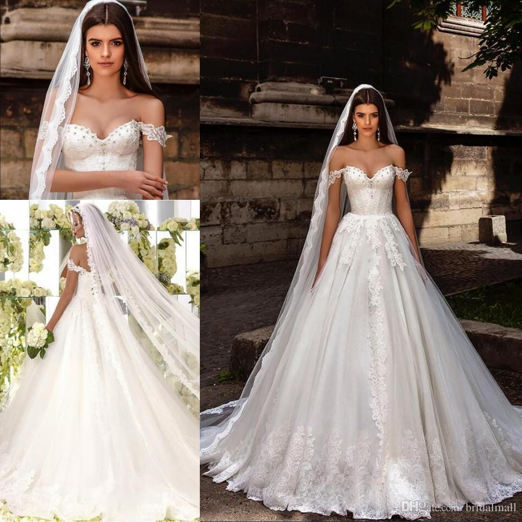 2020 disegno di cristallo Abiti da sposa al largo della spalla Embrodiried corpetto nuziale abiti da principessa merletto in rilievo Una linea di pallone vestiti da cerimonia nuziale