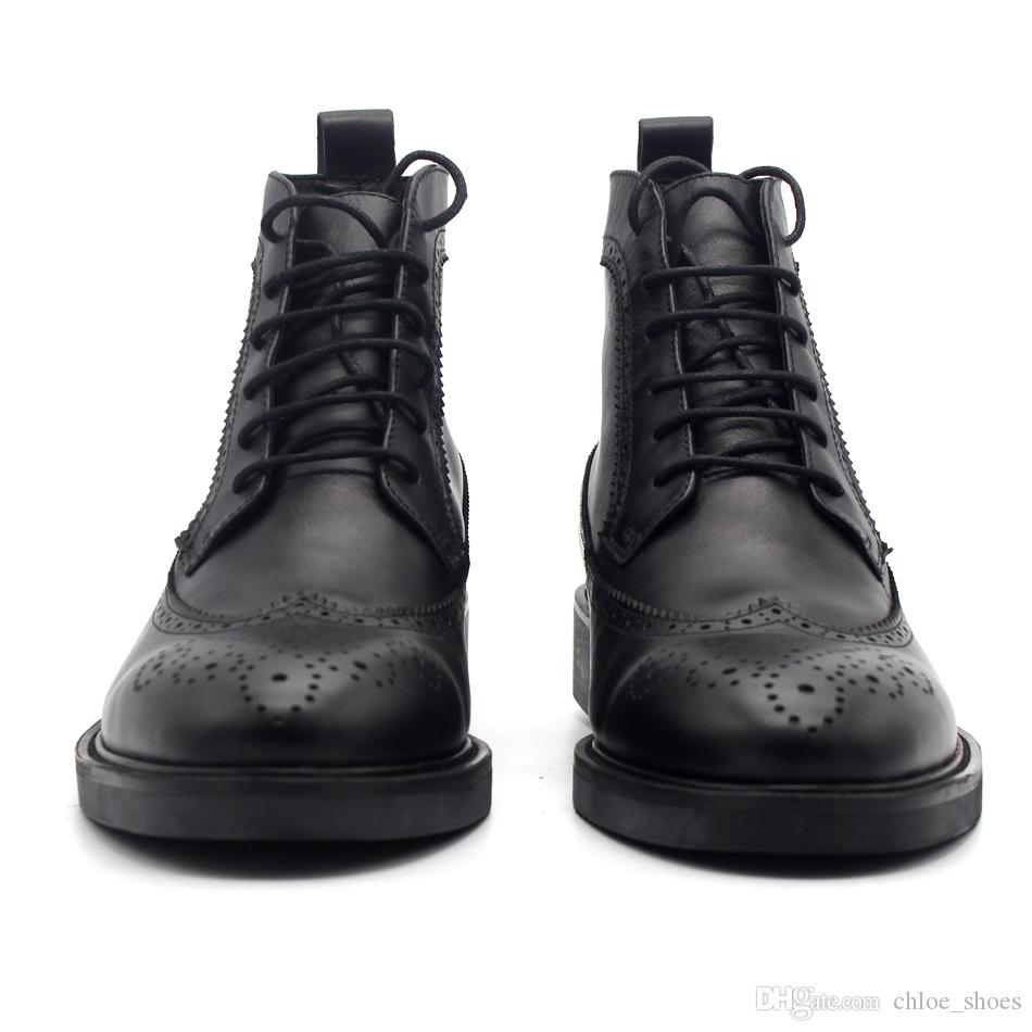 Clássico esculpido artesanal couro de vaca Brgoue alta Top botas pretas homens