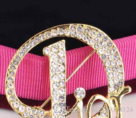Nuovo popolari Hollow lettere clip Spille Corpetto di cristallo spilla di strass perni della sciarpa per le donne Vestito del risvolto Pins Accessori