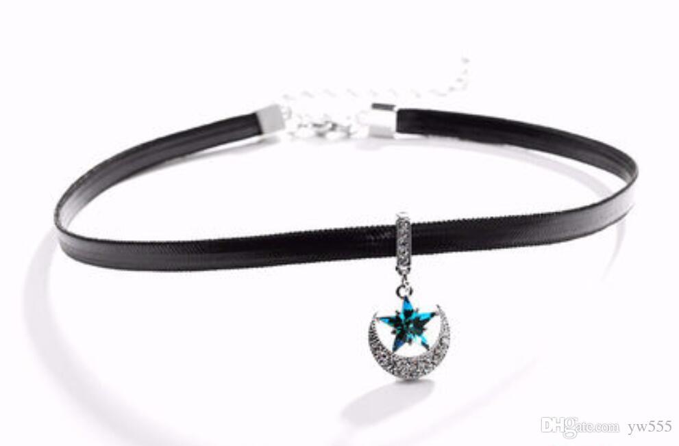 Della Swarovski Crystal Star Moon Clavicle Necklace Short Necklace Necklace
