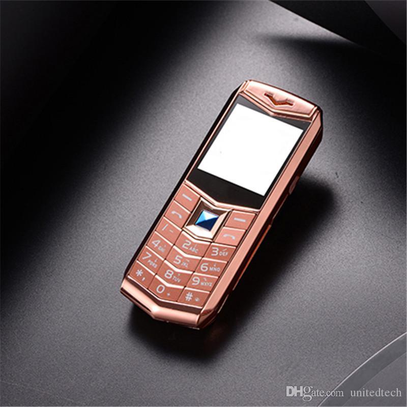 """ترف مقفلة المزدوج سيم بطاقة الهاتف المحمول 1.5 """"MP3 كاميرا بلوتوث المصباح جسم معدني رخيص الأزياء الذهبي الهاتف المحمول"""