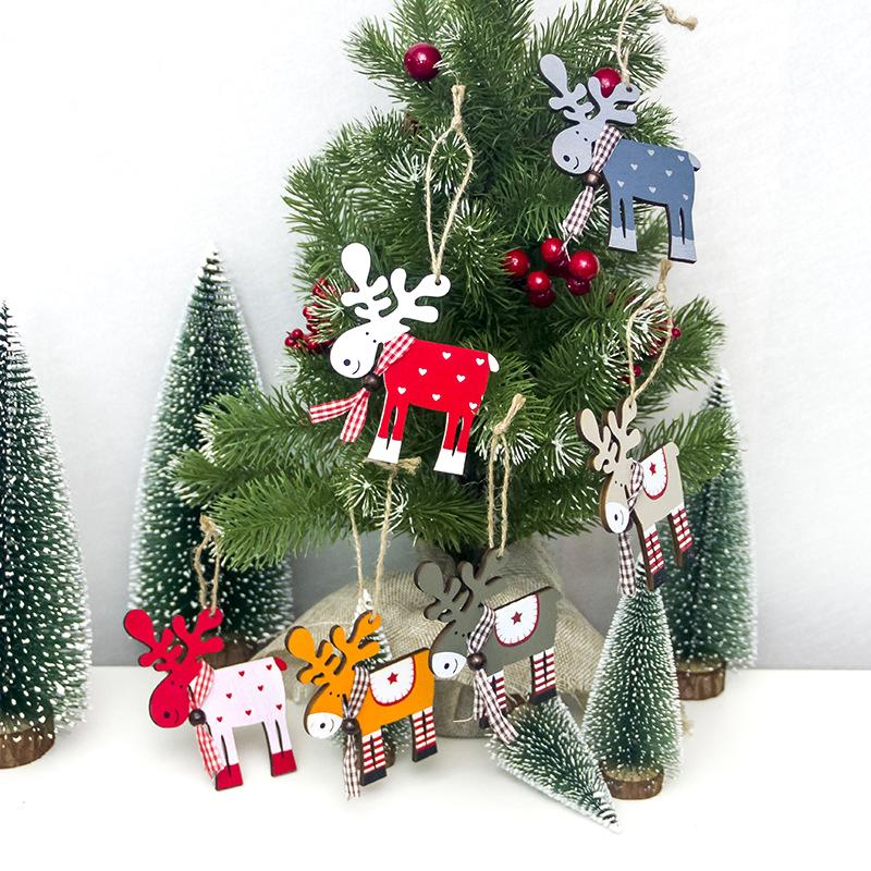 2018 new Christmas tree decoration small pendant wooden painted painted cute elk creative Christmas pendant accessories wholesale