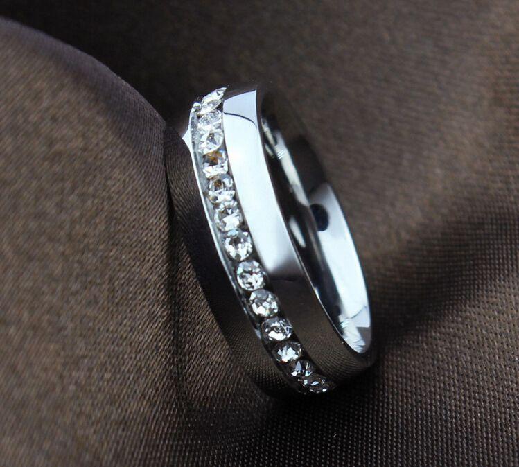 Anillo clásico de alta calidad de 6 mm en color oro blanco anillos CZ Anillo de boda para amantes de acero inoxidable para mujeres y hombres