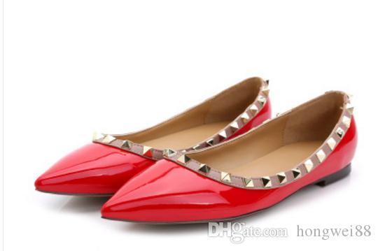 Free envoi Hot 2018 nouveaux rivets de style sur des chaussures simples fond plat femmes en Europe et en Amérique