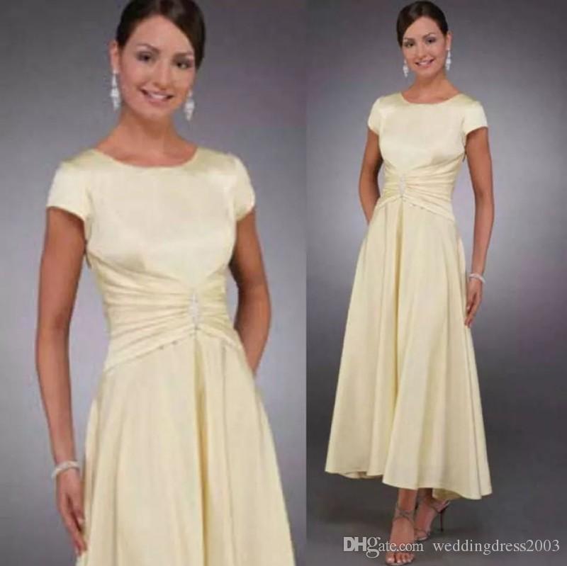 Vintage blygsam mor till bruden klänning juvel nacke kort ärm en linje te längd ljus gul chiffong eleganta kväll formella klänningar 2018