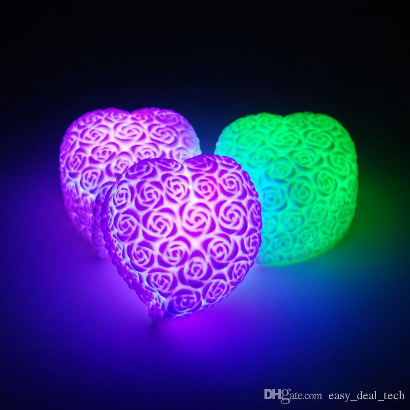 1PCS روز على شكل قلب قليلا ضوء الليل الدعائم الملونة الصغيرة رومانسية عيد الحب الورود عشاق المجوهرات الساخنة LED H1295
