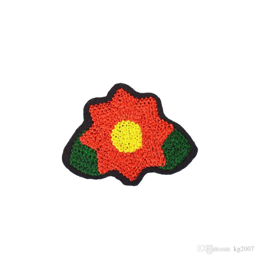 10 PCS Diy fleur rouge Stitchwork Correctifs pour meurtrissure Cousez Correctifs vêtements brodés pour vêtements Manteaux Décoration Applique Patch Accessoires