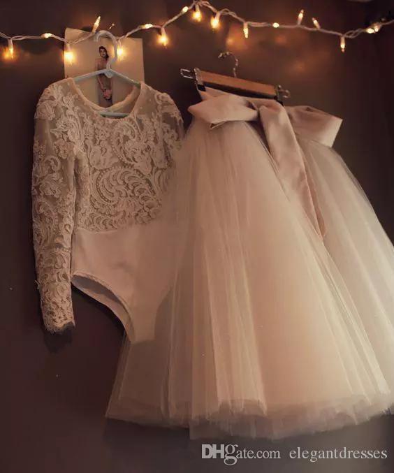 2018 레이스 Appliques O - 넥 긴 소매 Flower Girl Dresses 귀여운 첫 성찬식 소녀를위한 Champagne Kids 정식 생일 파티 가운
