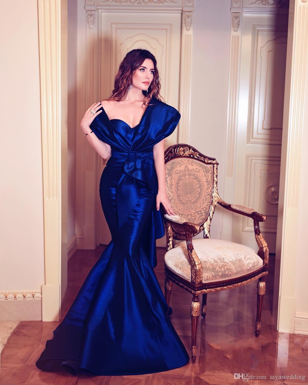 Großhandel Günstige Diamant Blau Lange Abendkleider Sexy Schulterfrei  Rüschen Geraffte Meerjungfrau Formale Abendkleid Saudi Arabien Promi Party