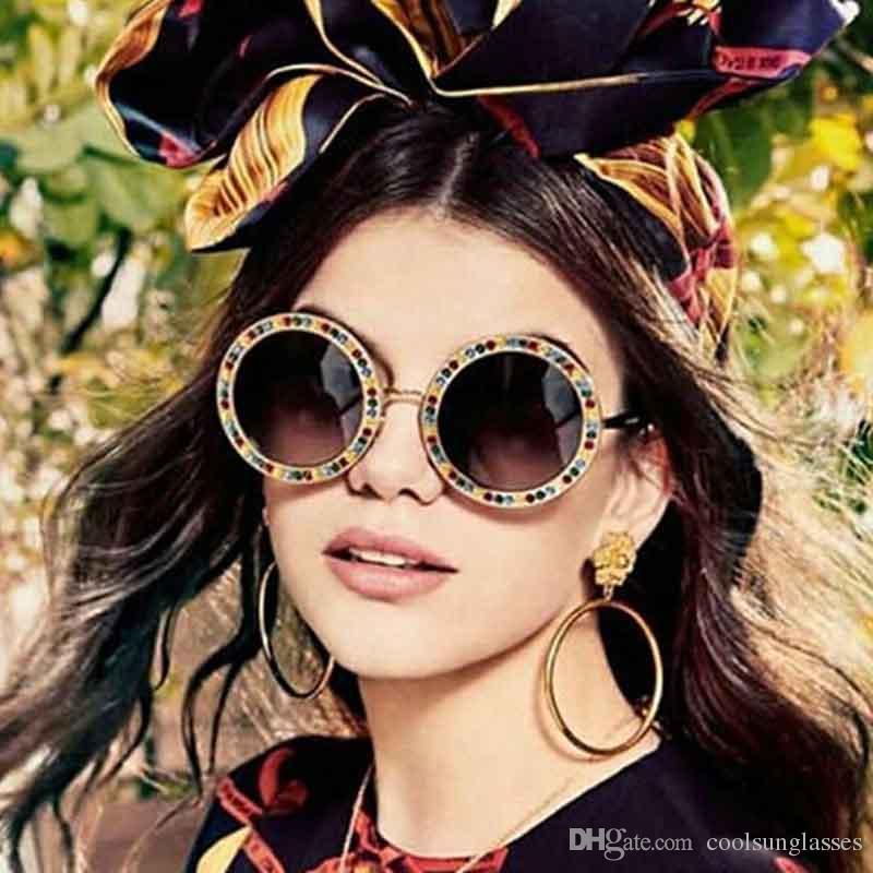 New Fashion Women Round Occhiali da sole Diamond Occhiali da sole Uomo fiore UV400 Occhiali Occhiali da vista sexy