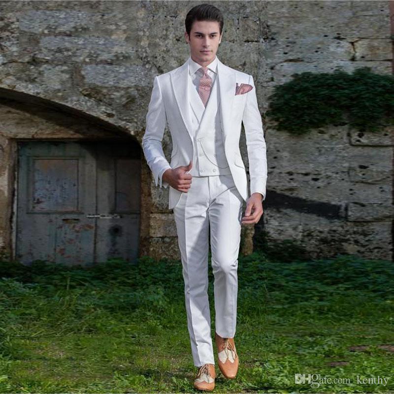 2018 Uomini tute bianche con visiera risvolto stile italiano Abiti da sposa abito da sera sposo su ordine Slim Fit 3Piece Best Man Blazer Tuxedo