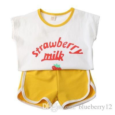 Crianças Adorável Lazer Terno Verão Miúdo Vestido De Menina Morango Impressão Vest Shorts Duas Peças Set Desgaste Do Bebê