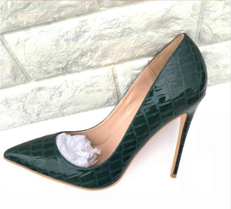 Atacado e varejo 2018 Mulheres Sapatos de Fundo Vermelho de Salto Alto Sexy Bombas Sapatos Para As Mulheres de Couro Envernizado Dedo Apontado Sapatos de Salto Alto Do Casamento