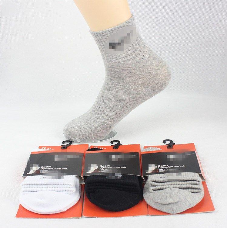 Calzini di sport di svago di marchio di schiocco calzini di pallacanestro degli uomini di autunno-inverno 100% dei calzini anti-odore degli uomini alta marea all'ingrosso di alta qualità