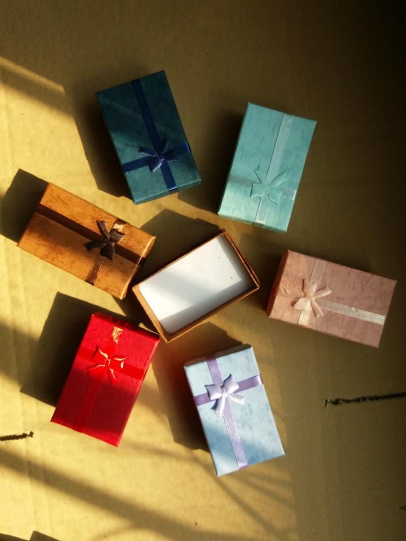 5 * 8 * 2,5 centimetri confezione regalo di imballaggio scatole di gioielli, ciondolo scatola, orecchini scatola anello scatola colore casuale multicolore
