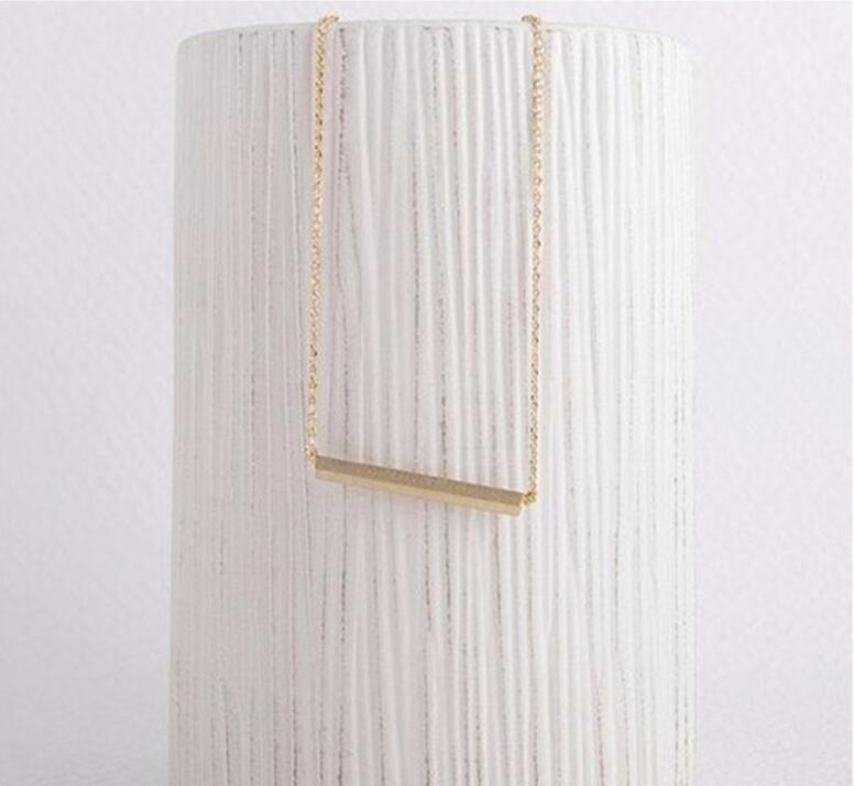 Sıcak Moda Takı Kolye Kolye Altın / Gümüş Tiny Sideways Kare Bar Kolye Basit Sopa Modern Minimalist Kısa Zincirler Chockers