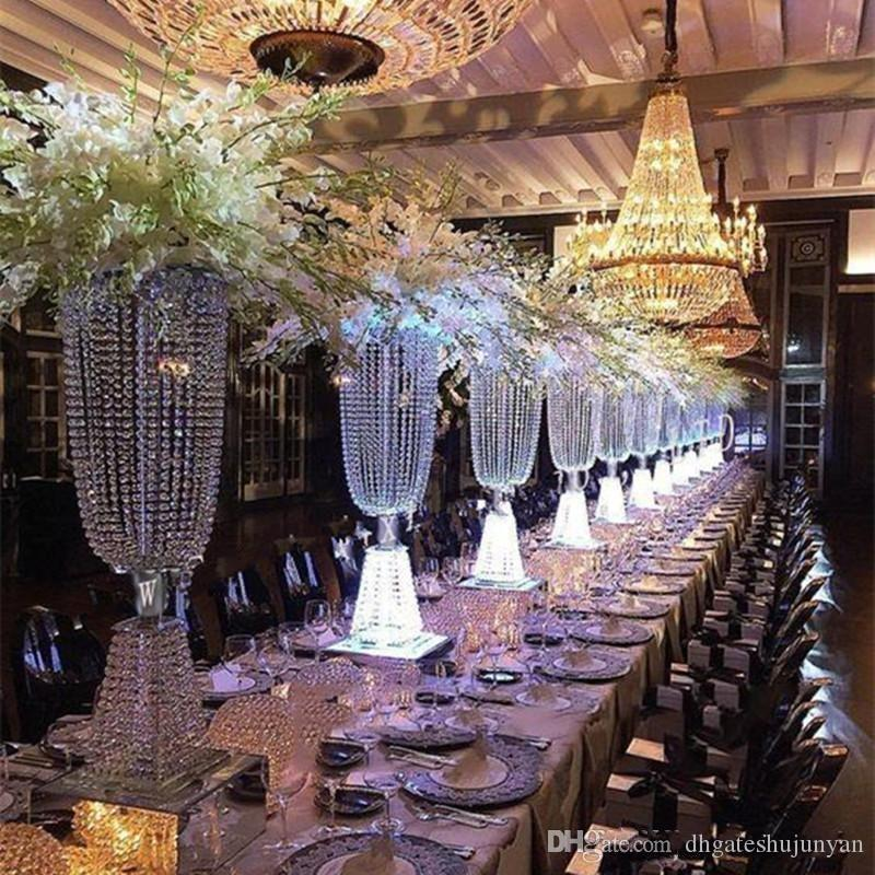 2017 ultimo lusso Shiny Wedding Decor centrotavola di cristallo perline stringa Strada Piombo partito Table Decoration Puntelli