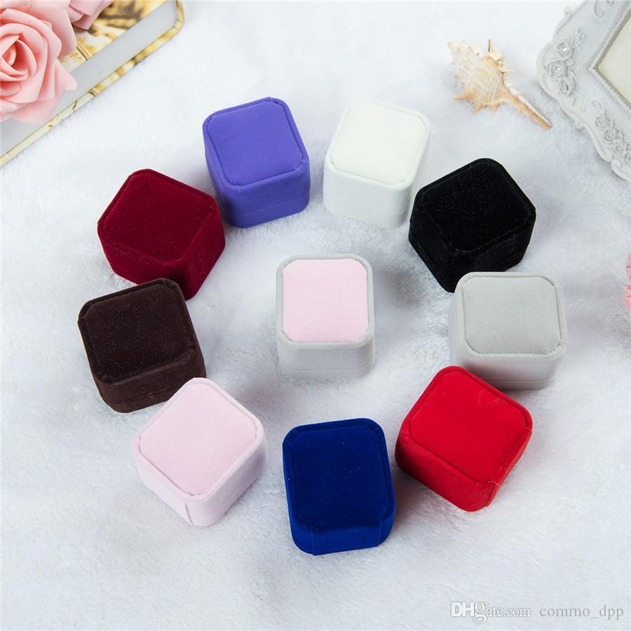 Bulk 11 Confezioni regalo di gioielli di velluto di colore per anelli di fidanzamento di matrimonio coppia di gioielli Imballaggio quadrato Show quadrato Show Case Box 55 * 50 * 43mm