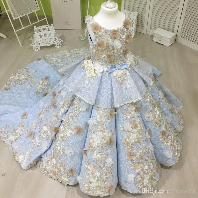 Vintage Lace Ball Gown Girls Pageant Dresses Beaded Flower Girl Dress 3D Floral Appliqued Sweep Train Tiered Kids Holy Communion Dress
