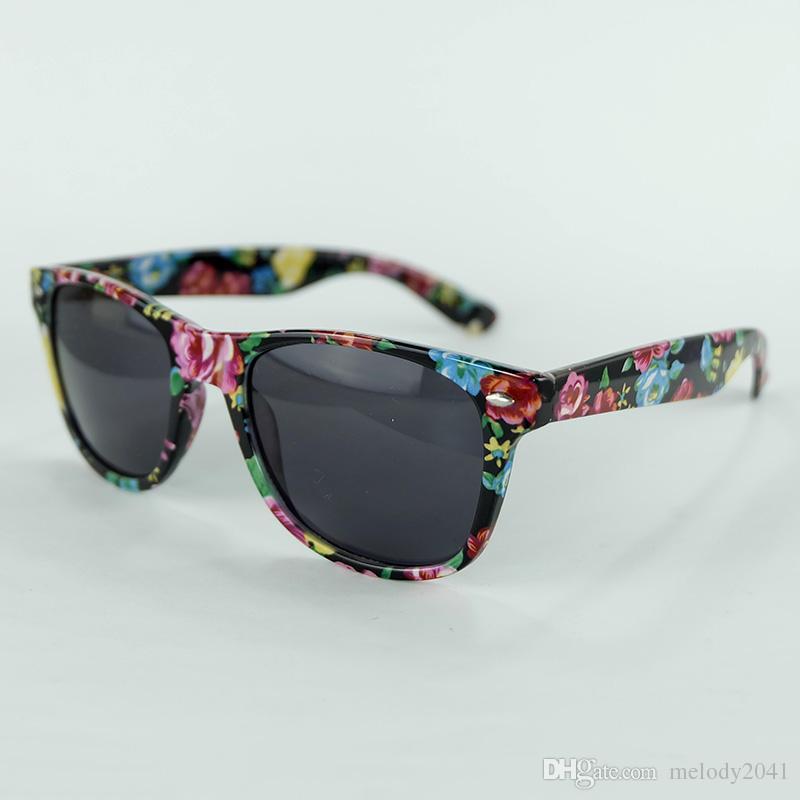 Klarer Aktien Reisender Sonnenbrille Blume und Schlange Druckrahmen Sonnenbrille Metallscharnier Gute Qualität 2 Farben