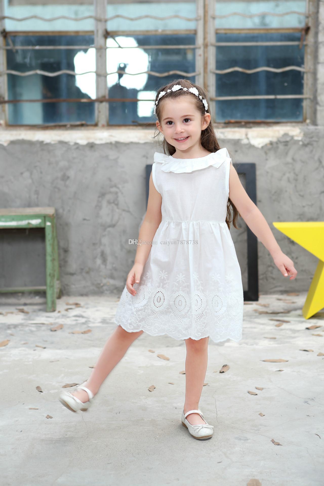 2018 весной и летом девушки одеваются большие V-образным вырезом спинки хлопка с вышивкой кружева лук чисто белая волна юбка