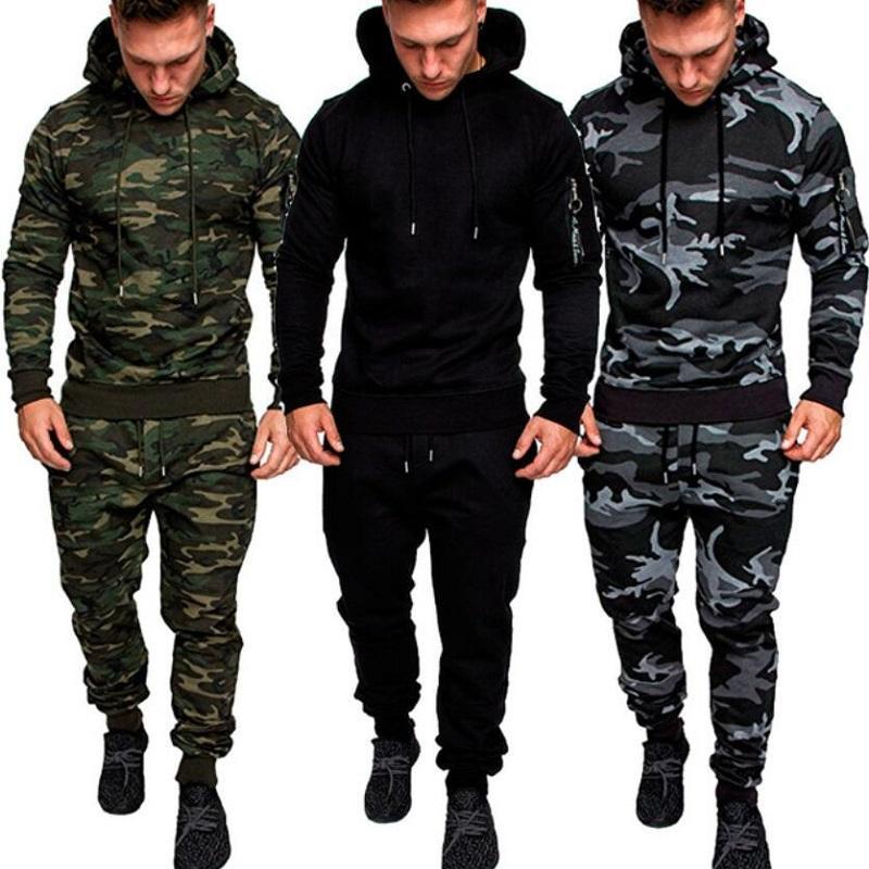 2018 nuovo Camouflage set Felpe + Pantaloni 2 pezzi fitness Tuta tascabile Mens Pullover con cappuccio Sportwear Set uomo abiti