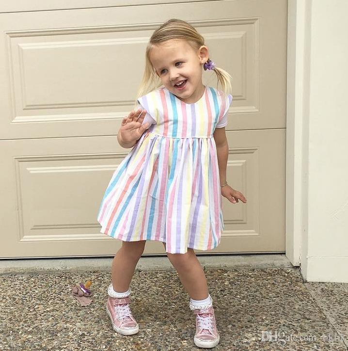 الفتيات اللباس أكمام الاطفال الملونة مخطط فساتين الأطفال حزب 2018 الفتيات فساتين الصيف الاطفال اللباس لفتاة