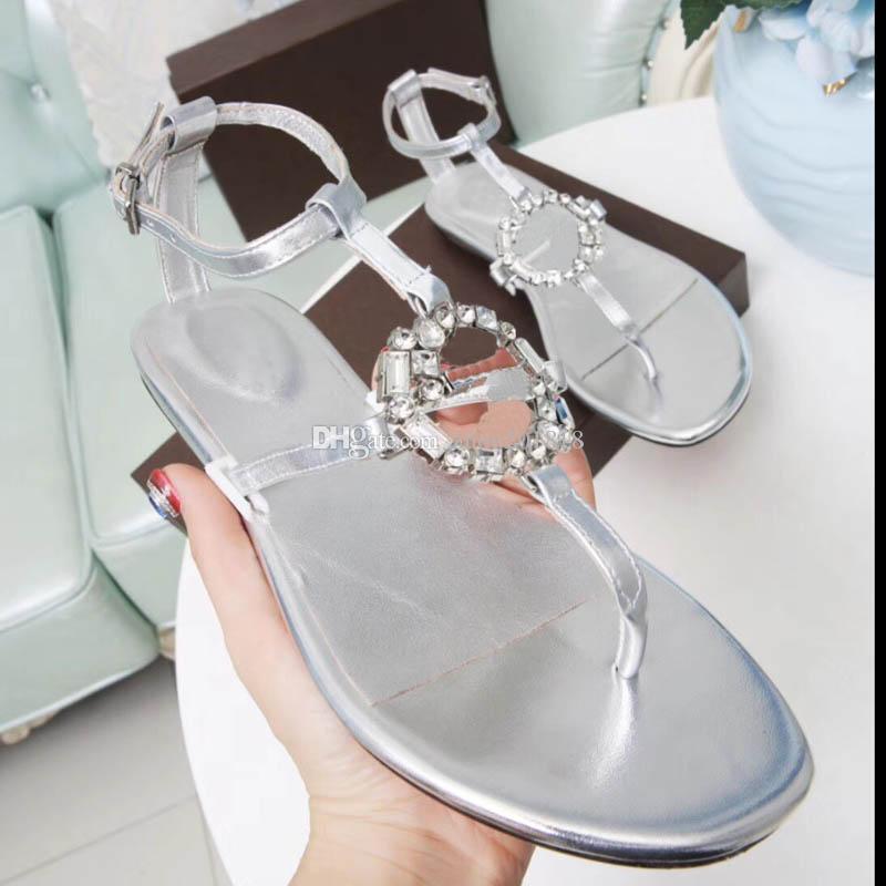 2018 as sandálias de sandália clássicas mais recentes são listadas no tecido de fivela de diamante reluzente com couro de bezerro importado ouro cor 3 35-42