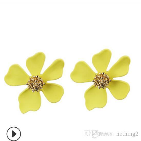 Les boucles d'oreilles de pétales de marguerite bijoux fleurs de style coréen boucles d'oreilles pour les femmes filles libres de mode chaud de l'expédition