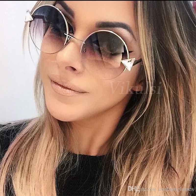 Progettista di marca Occhiali da sole rotondi Donne 2017 Oculos Shade Frame Retrò Freccia Specchio Occhiali Da Sole Gafas de sol mujer UV400