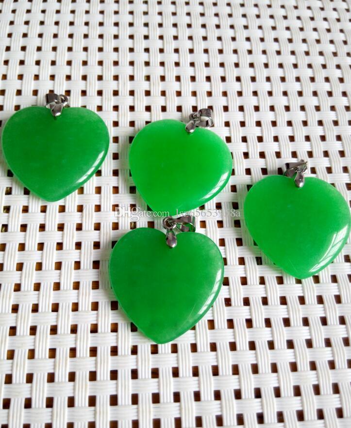 Pendente / collana verde smeraldo d'argento all'ingrosso poco costosi all'ingrosso del giada a forma di cuore c2