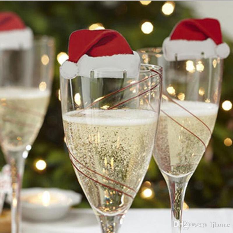 100 Stücke Neue Weihnachtsschmuck Für Heimtisch Tischkarten Weihnachtsmütze Weinglas Dekoration Größe 6 * 3,5 cm Weihnachtsschmuck
