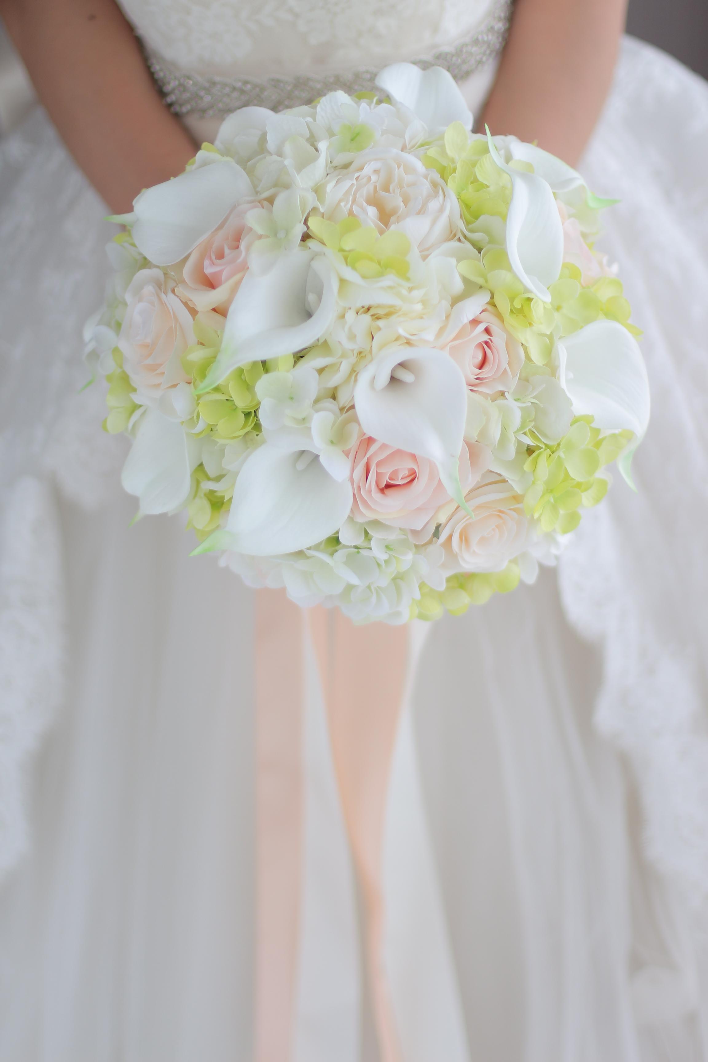 Ultimi Bouquet da sposa Bianco Champagne Rose Calla Lily Verde Ortensia Sposa Bouquet da damigella d'onore