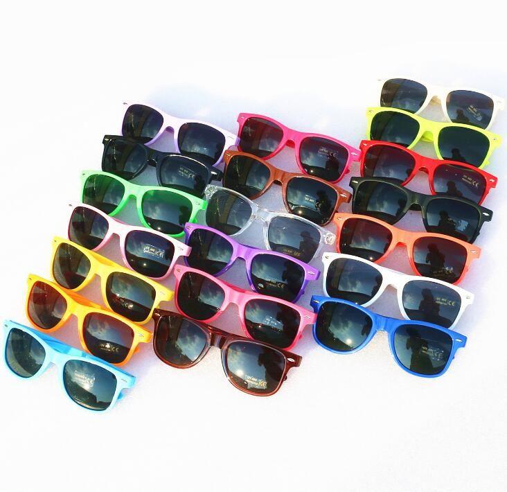 2018 뜨거운 판매 20pcs 도매 클래식 플라스틱 선글라스 여성을위한 복고풍 빈티지 사각형 태양 안경 남자 성인 키즈 믹스 색상