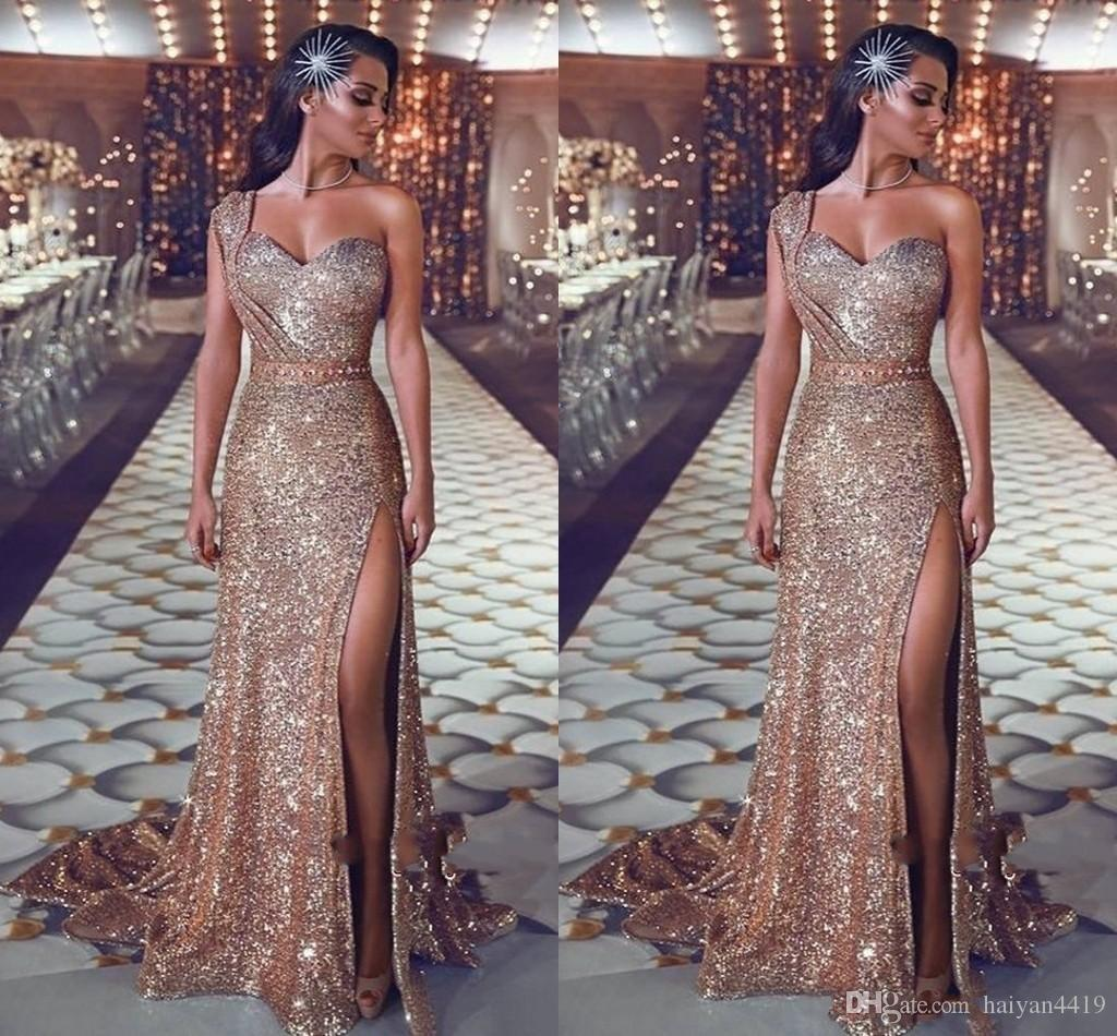 2019 Sparkly Sequined Gold Prom Dresses One Shoulder Sequins Sheath Rose Gold Split Sweep Train Plus Size Formal Evening Gowns Pageant Wear