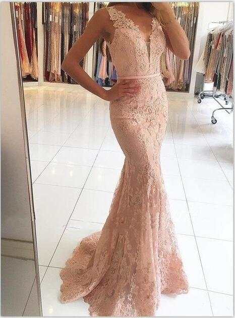 rosa Meerjungfrau Ballkleider V-Ausschnitt Appliqued Mit Spitze Perlen Durchsichtige Rückseite Knöpfen Vestido Longo Ballkleider Abendkleid