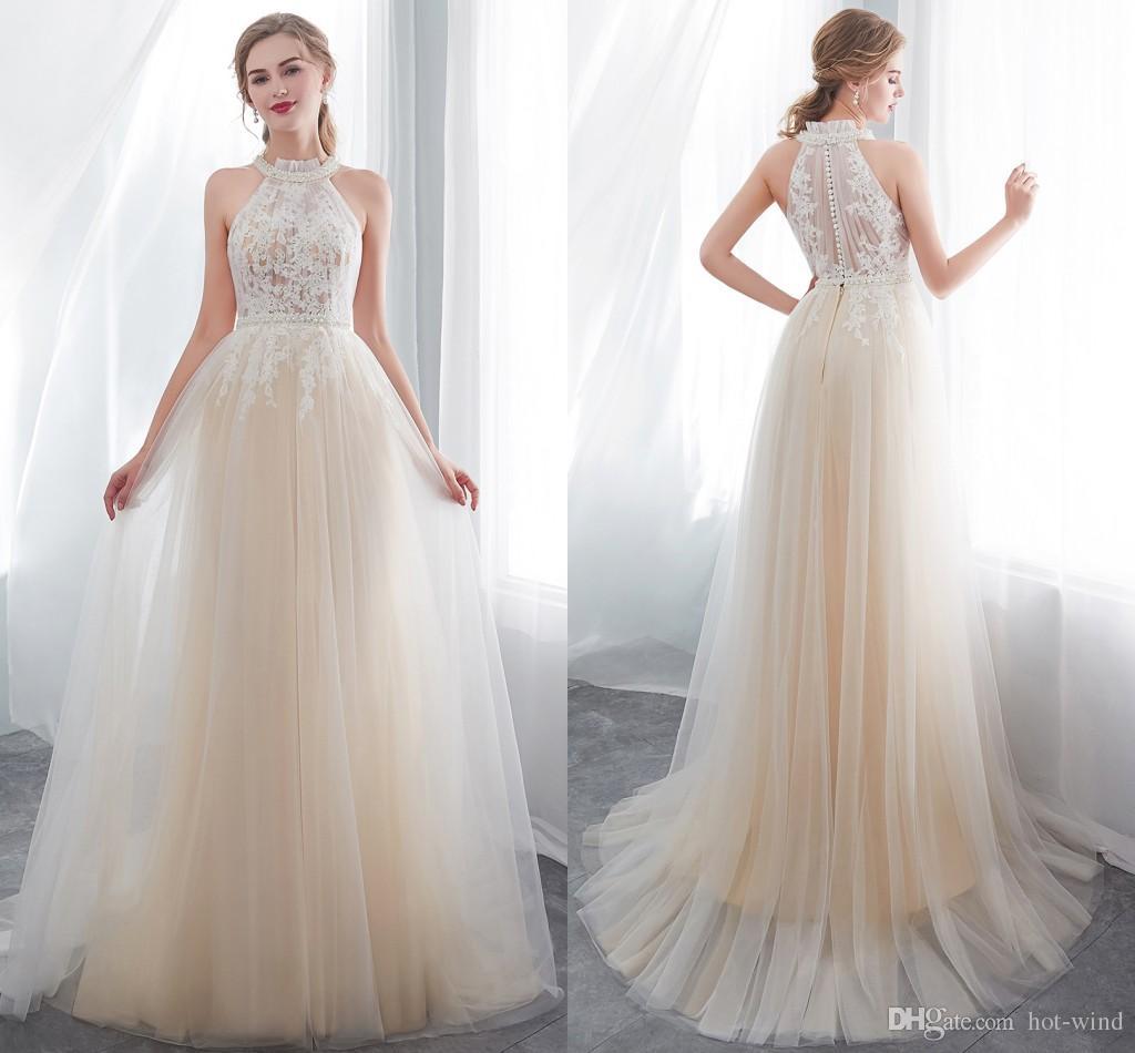 새로운 디자이너 샴페인 홀터 넥 A 라인 얇은 명주 그물 웨딩 드레스 레이스 Appliqued 민소매 여름 해변 결혼식 신부 가운 CPS1011