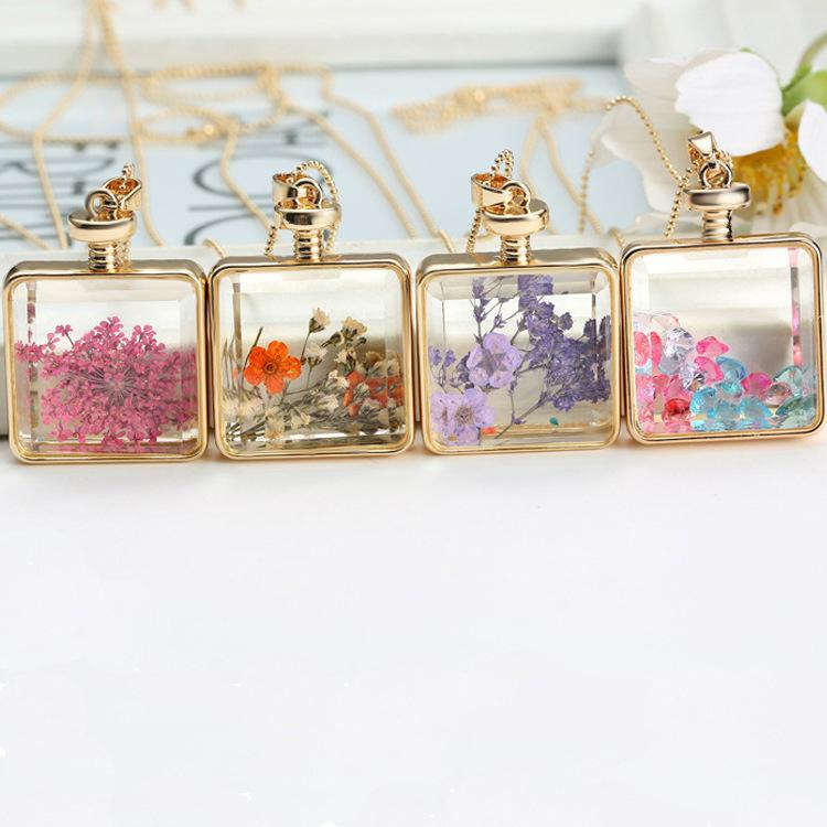 Crystal Photo Frame Glass Locket Pendant Dried Flower Pendant Necklaces Women Gold Memory Locket Necklace 2018 Wholesale