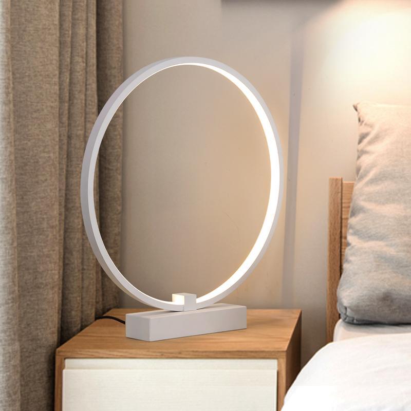Branco criativo moderno minimalista acrílico rodada luzes LED de protecção ocular pequena mesa lâmpadas quarto estudo lâmpada de cabeceira regulável