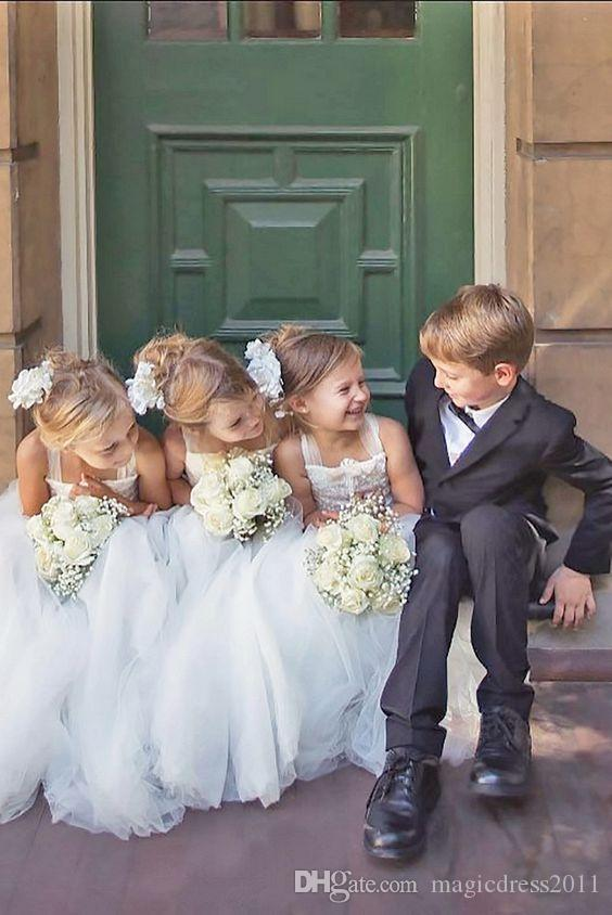 Cute Spaghetti Straps Flower Girls Dresses For Weddings Long Sleeves Lace Appliques Ball Gown Birthday Girl Communion Pageant Gown