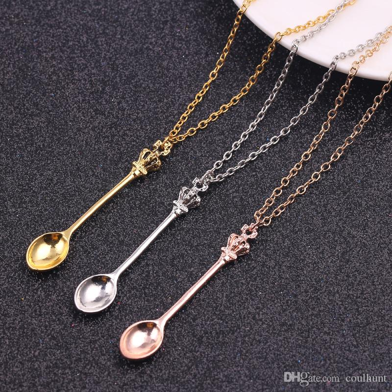 New Mini Tea Spoon Shape Pendant Necklace Silver Rose Gold Color Pendant Necklace with King Queen Crown Unique Link Chain Jewelry Accessorie