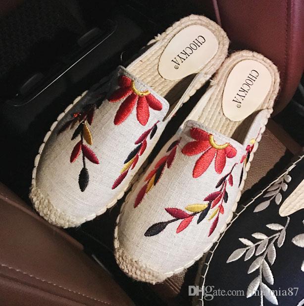Nuevas mujeres Floral Mules Alpargatas de moda Rota armadura Zapato de pescador Casual estilo de la calle Bordados Zapatillas de bordado Comfort Sandalias de playa